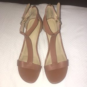EUC REACTION KENNETH COLE WEDGE SANDALS